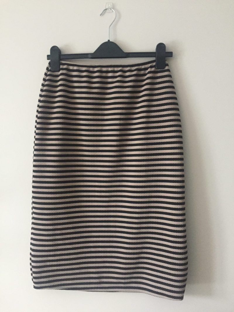 You can make this skirt in just TWENTY MINUTES!